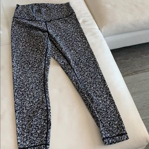 Lululemon size 8 print leggings